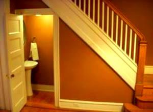 kamar-mandi-bawah-tangga.jpg