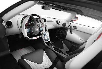 2011-Koenigsegg-Agera-R-interior
