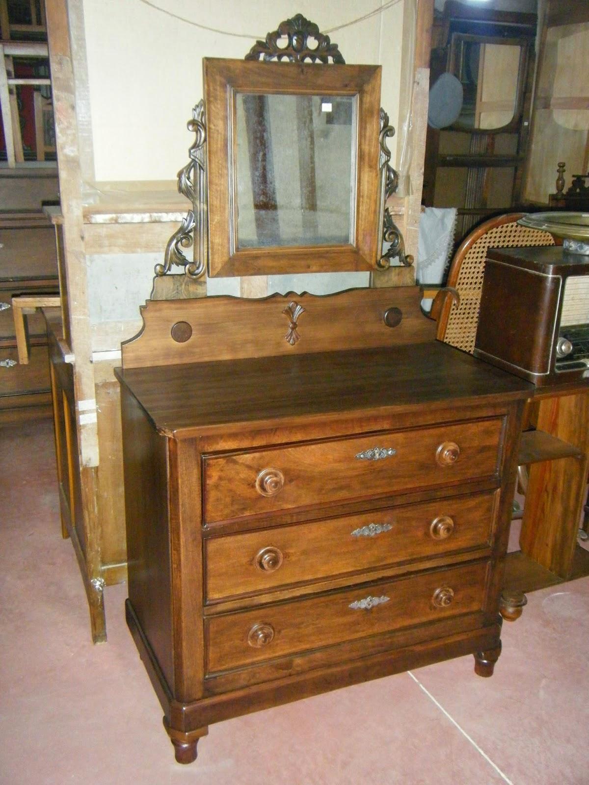 Antig edades almagro barnizados y lacados for Restaurar muebles lacados