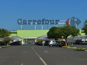 Estacionamento do Carrefour (Foto: Luiz Felipe Leite)