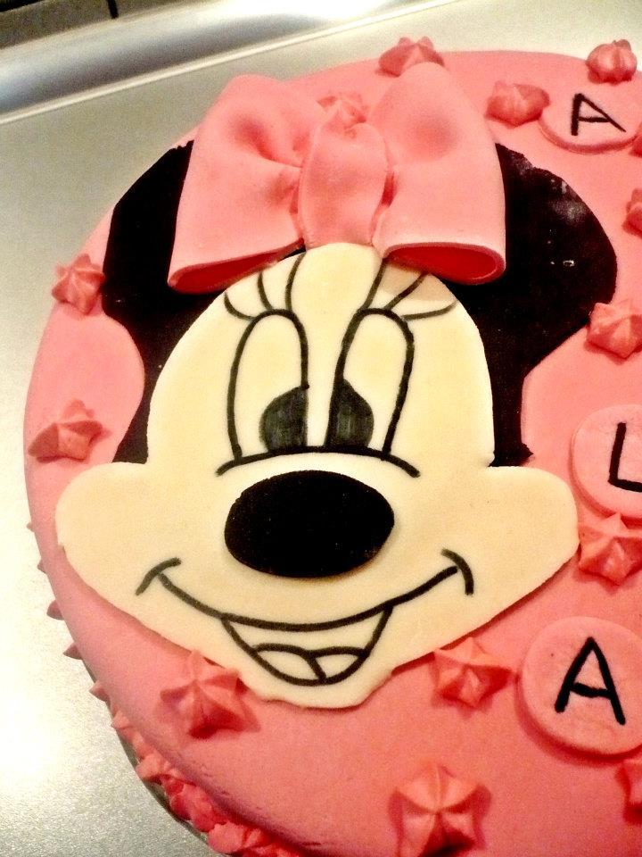 Bilo Minnie Mouse Cake