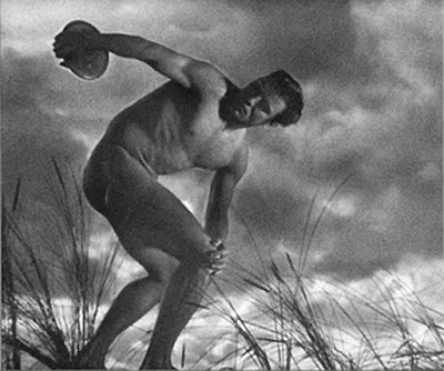 Fotografia nu masculino século XX