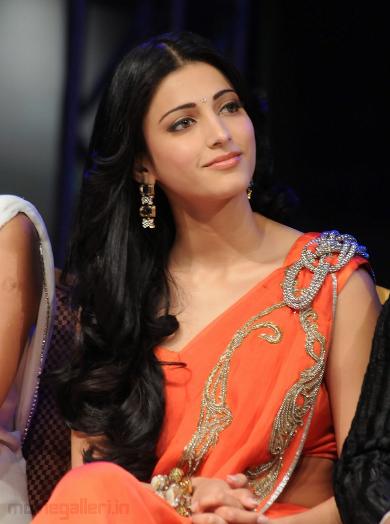 Shruti Hassan - Images Colection