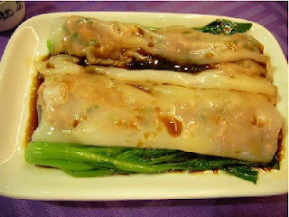 Steamed rice noodle rolls drizzled in soya sauce