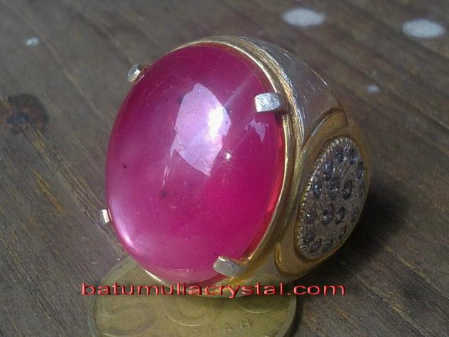 batu mulia ruby corundum batu kesukaan banyak orang ini mempunyai