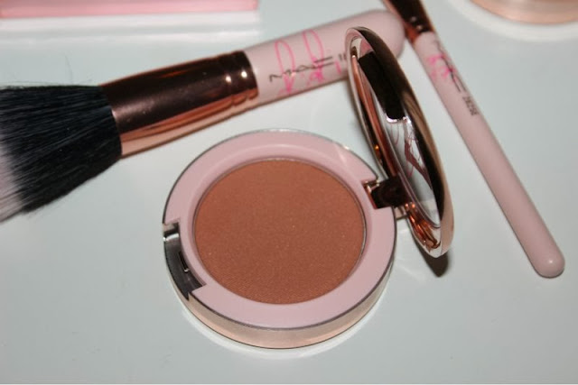 MAC RIRI ♥ Bad Girl Gone Good Blush