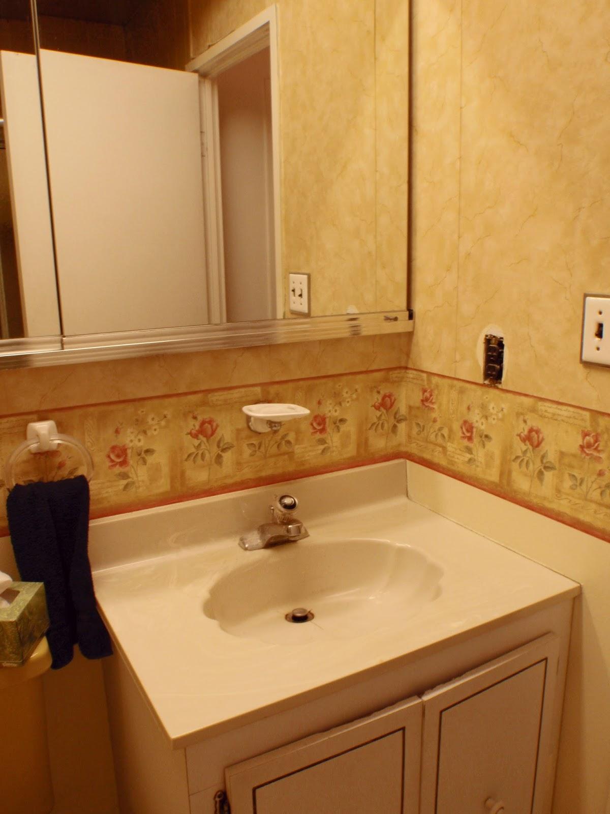 The obligatory blog august 2013 for Avocado green bathroom ideas