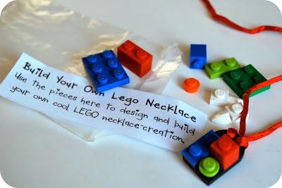 Lego+necklace+and+xtra+legos2