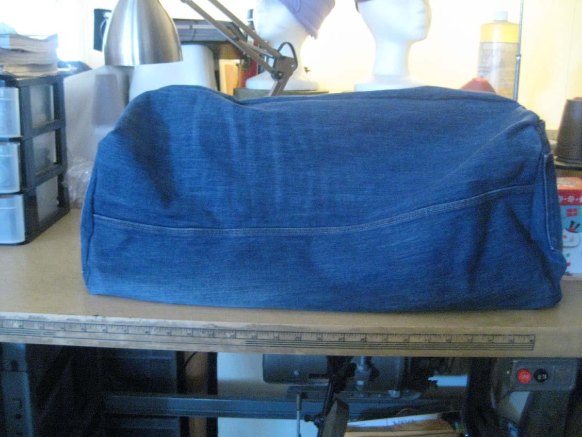 Джинсовый чехол для швейной машины