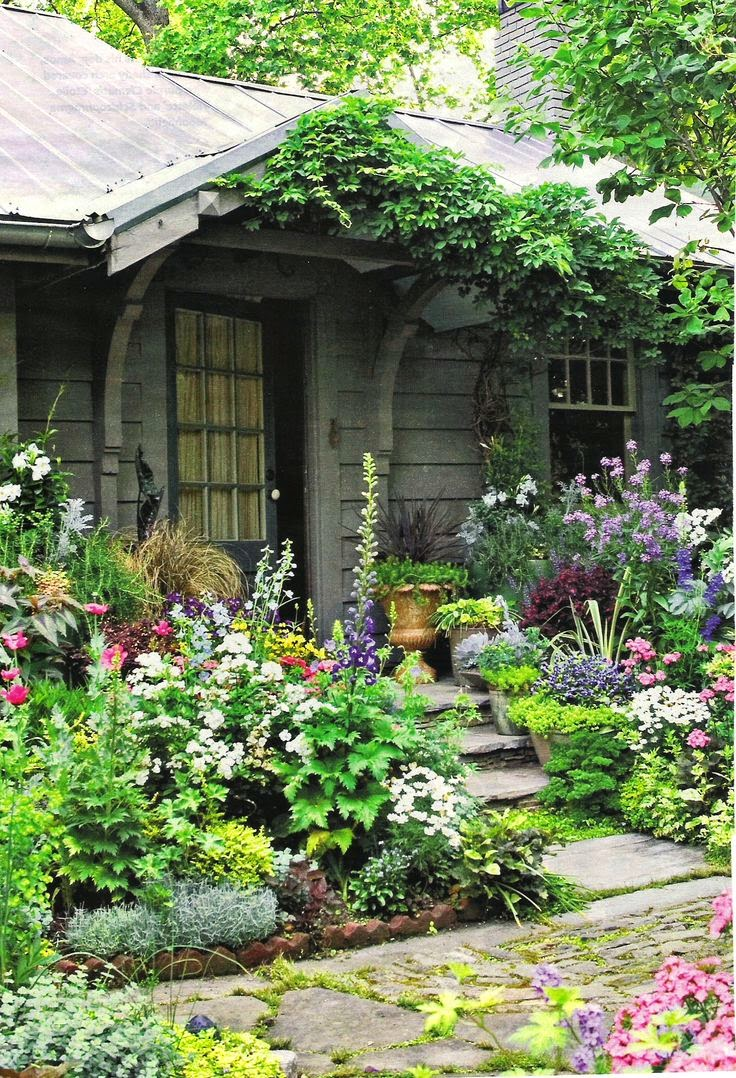 Lavender garden cottage cottage style party what i 39 m Beautiful plants for home
