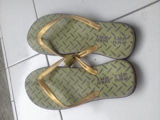 Sandal Gembok