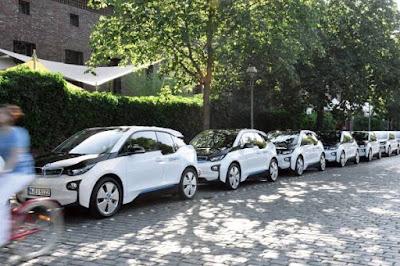 Το BMW Group υποστηρίζει μια σημαντική εξέλιξη για τις πόλεις επικεντρώνοντας στον άνθρωπο και μετά στο αυτοκίνητο