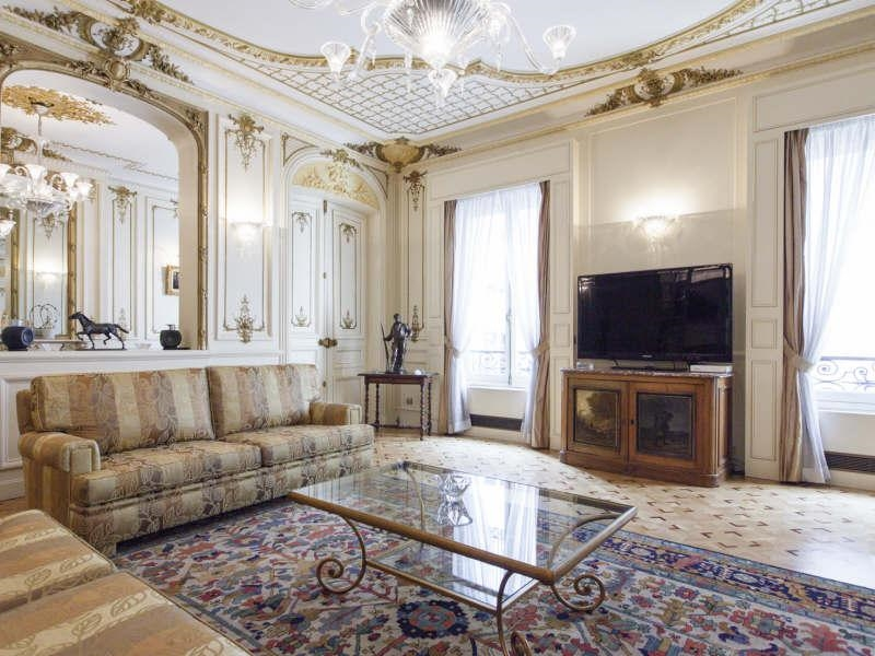 Old world gothic and victorian interior design old for Victorian style apartment