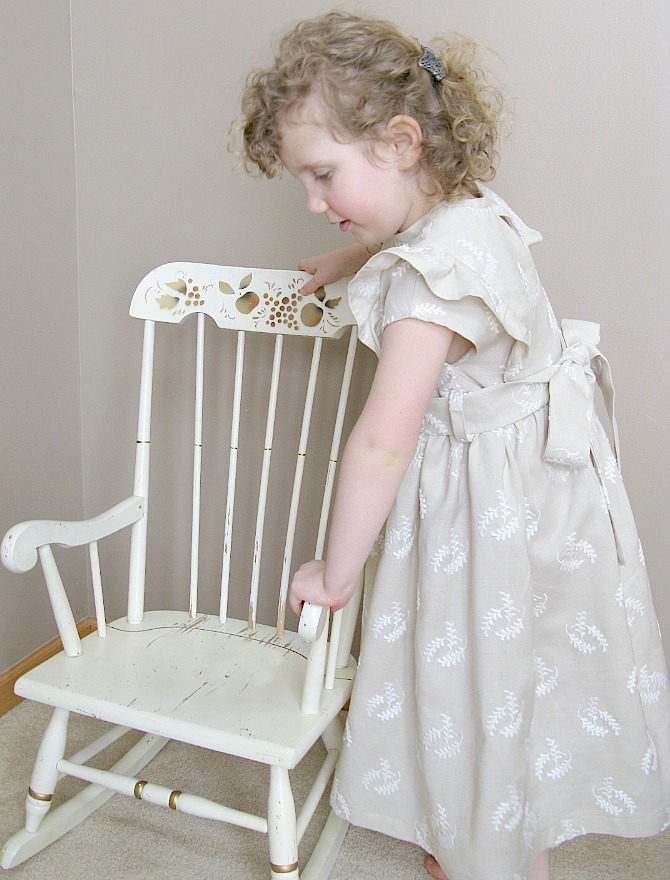 http://olga-kidapproved.blogspot.com/2013/03/ruffle-top-by-elephants-and-elegance.html