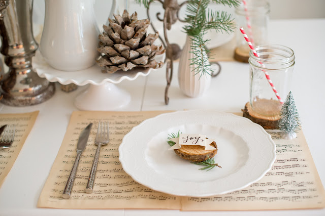 natural tablescape using tree trunk slices