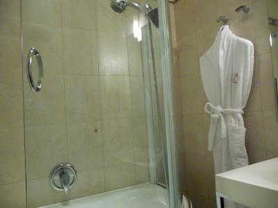 Bathroom Hotel Cappello Rosso Bologna Italy