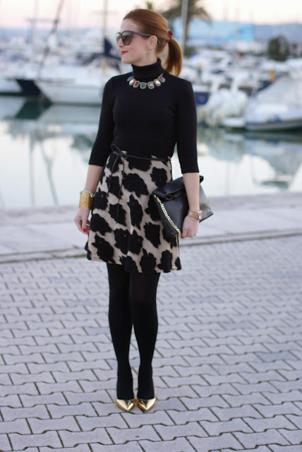 Esplosione dress, golden pumps, turtleneck elegant dress, Fashion and Cookies, fashion blogger