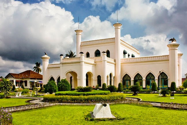 Image result for istana siak sri indrapura