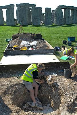 Julian Richards excavating