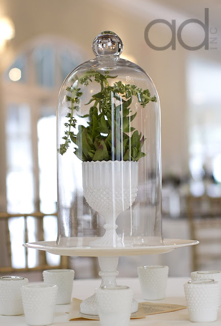 Accent Decor wedding, Floral design by Hothouse Design Studios