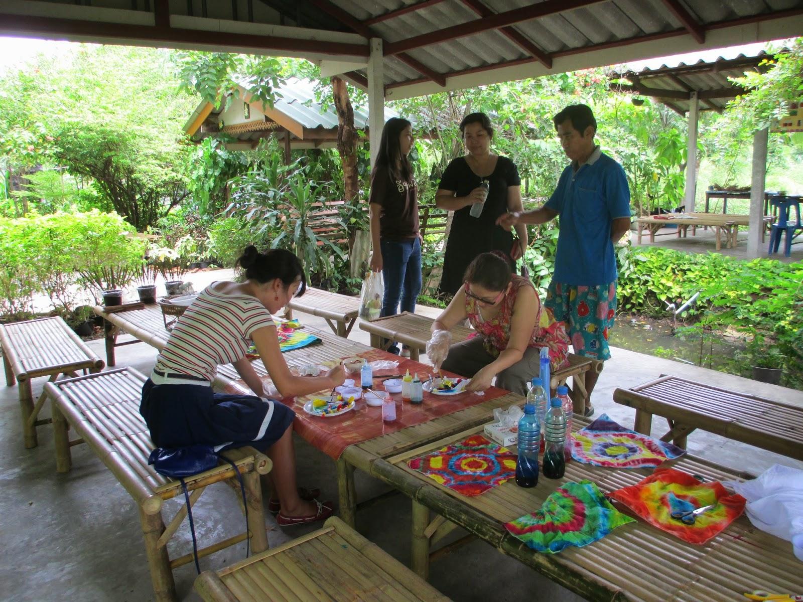 manuelimson Bangkok Day Trip 1 Floating Market Batik Painting