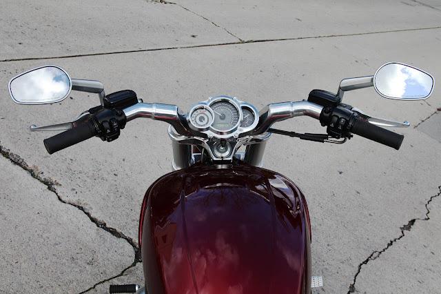 Harley V-Rod Muscle cockpit.jpg