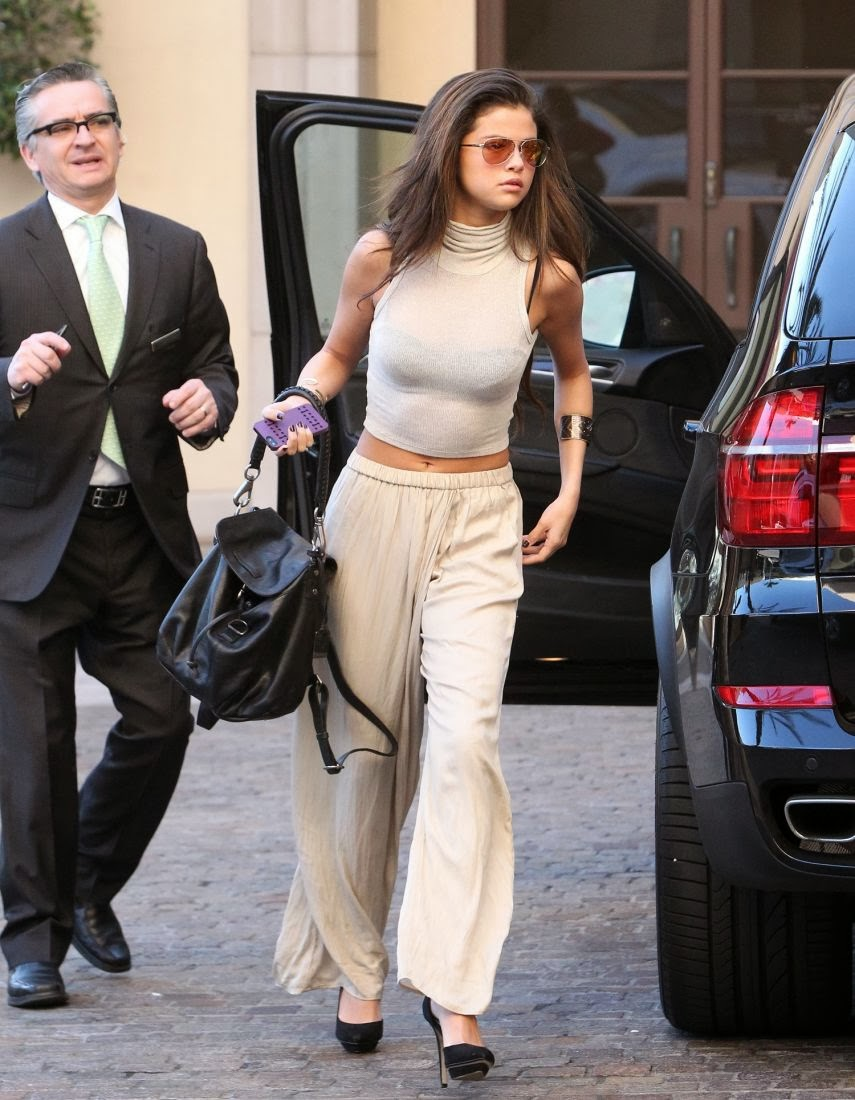 Selena Gomez Looks Gorgeous at a Hotel in Beverly Hills