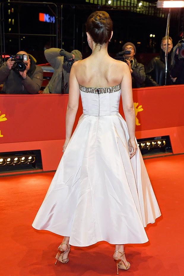 Natalie Portman brilha no tapete vermelho do Festival de Berlim