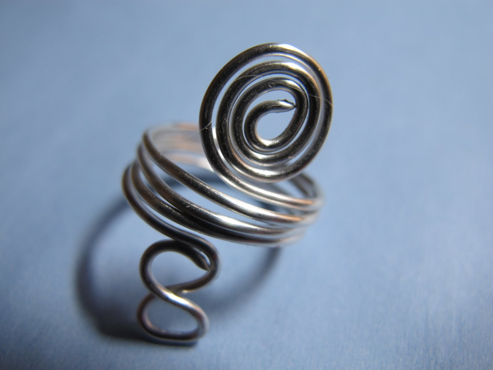 Naomi\'s Designs: Handmade Wire Jewelry: Silver wire wrapped ring ...