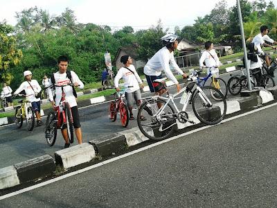 Menyeberang Ring Road