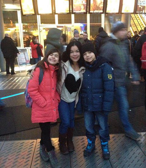 Roni con sus hijos en Berlín, Alemania. #VenezolanosEnElMundo
