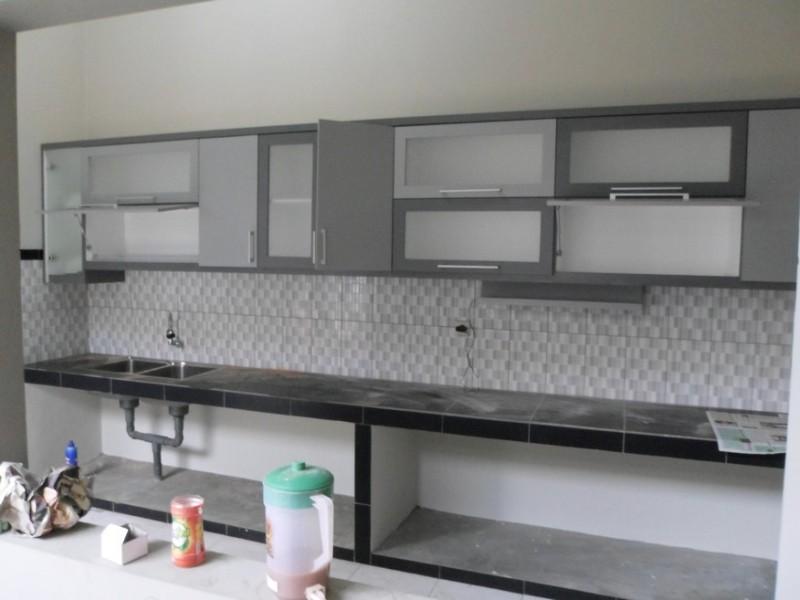 Kitchen set minimalis engsel pintu hidrolis furniture for Harga kitchen set stainless
