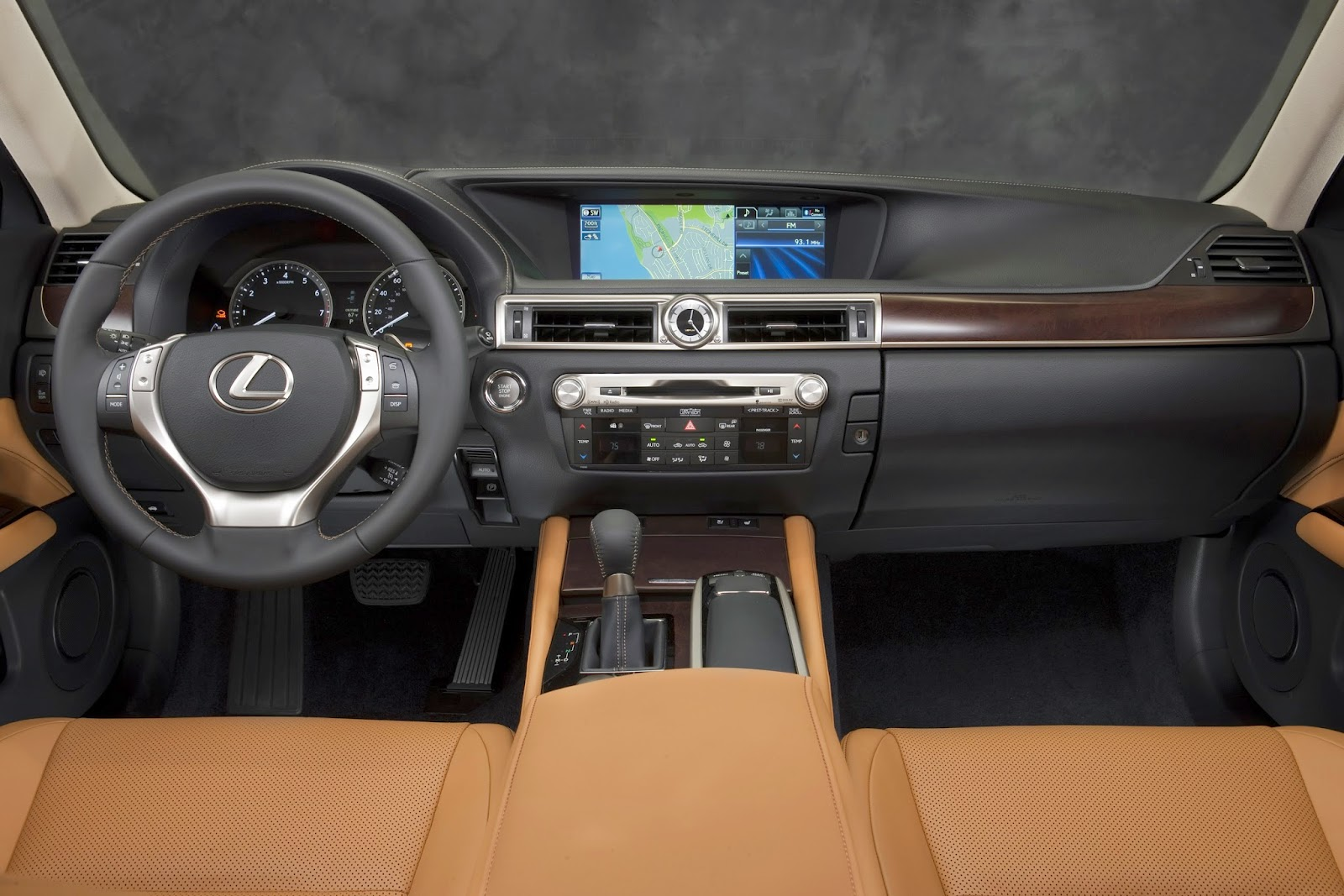 Interior view of 2014 Lexus GS350