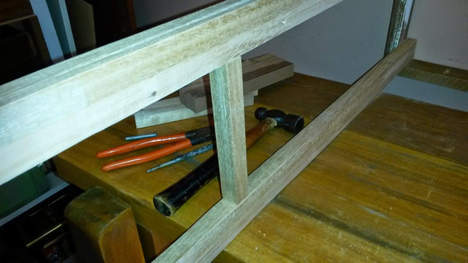 Oficina do Quintal: Como fazer um aparador com restos de madeira #61490B 1600x900