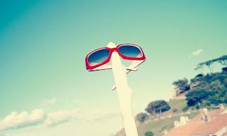 Dior, červené slnečné okuliare s bielym vnútrom