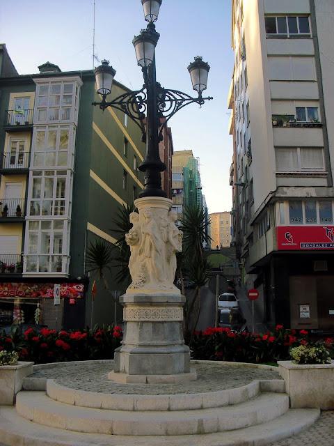 Farola de las Cuatro Estaciones en La Alameda de Santander