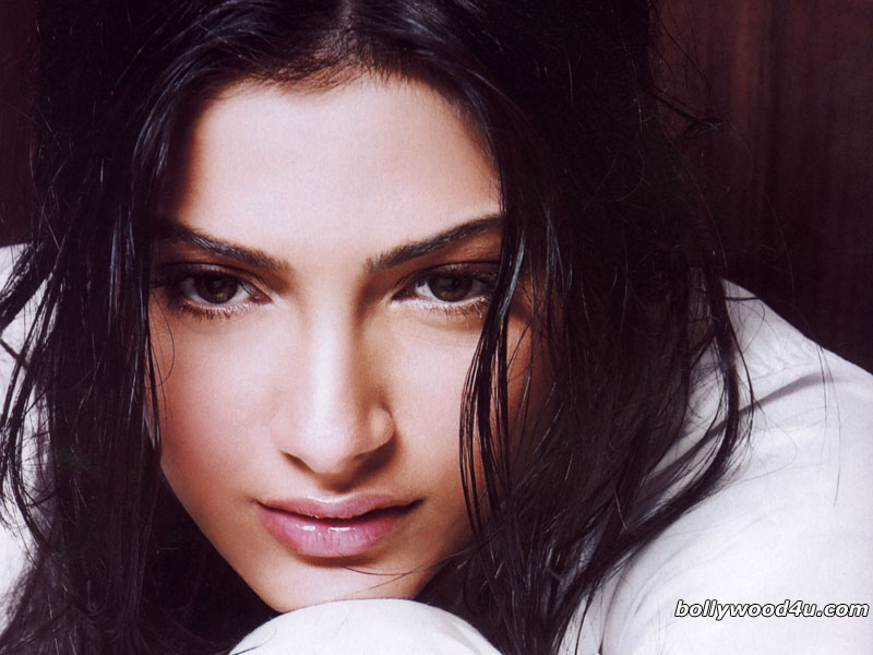 sonam kapoor wallpapers. Sonam Kapoor Wallpapers Images