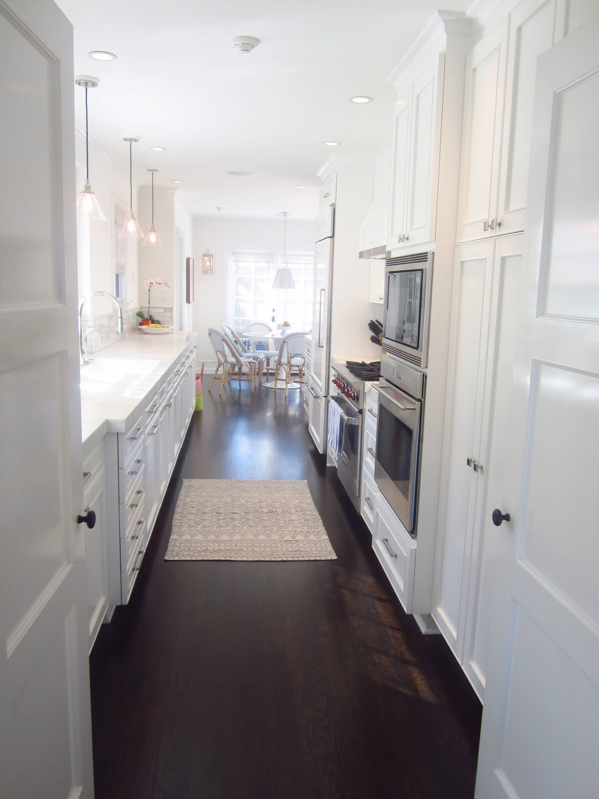 White Kitchen Dark Wood Floors Painted Kitchen Cabinets With Dark Wood Floors Quicuacom