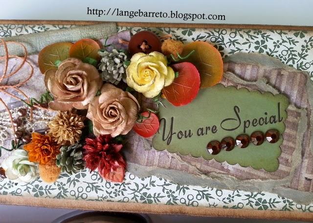 Arranho floral mini álbum