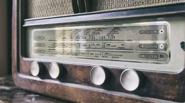 Το μελαγχολικό τραγούδι που απαγορεύτηκε στα ραδιόφωνα λόγω αυτοκτονιών