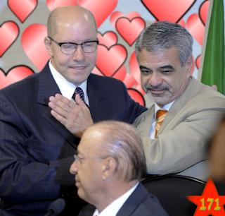 Humberto Costa do PT ao lado de Demostnes Torres desestabilizado