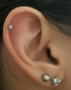 Ohrringe beim piercer stechen lassen