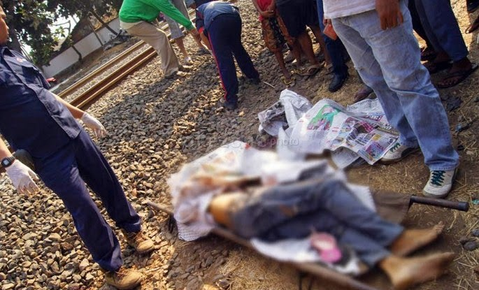 Orang Tertabrak kereta Api di Rawajati Stasiun Pasar Minggu