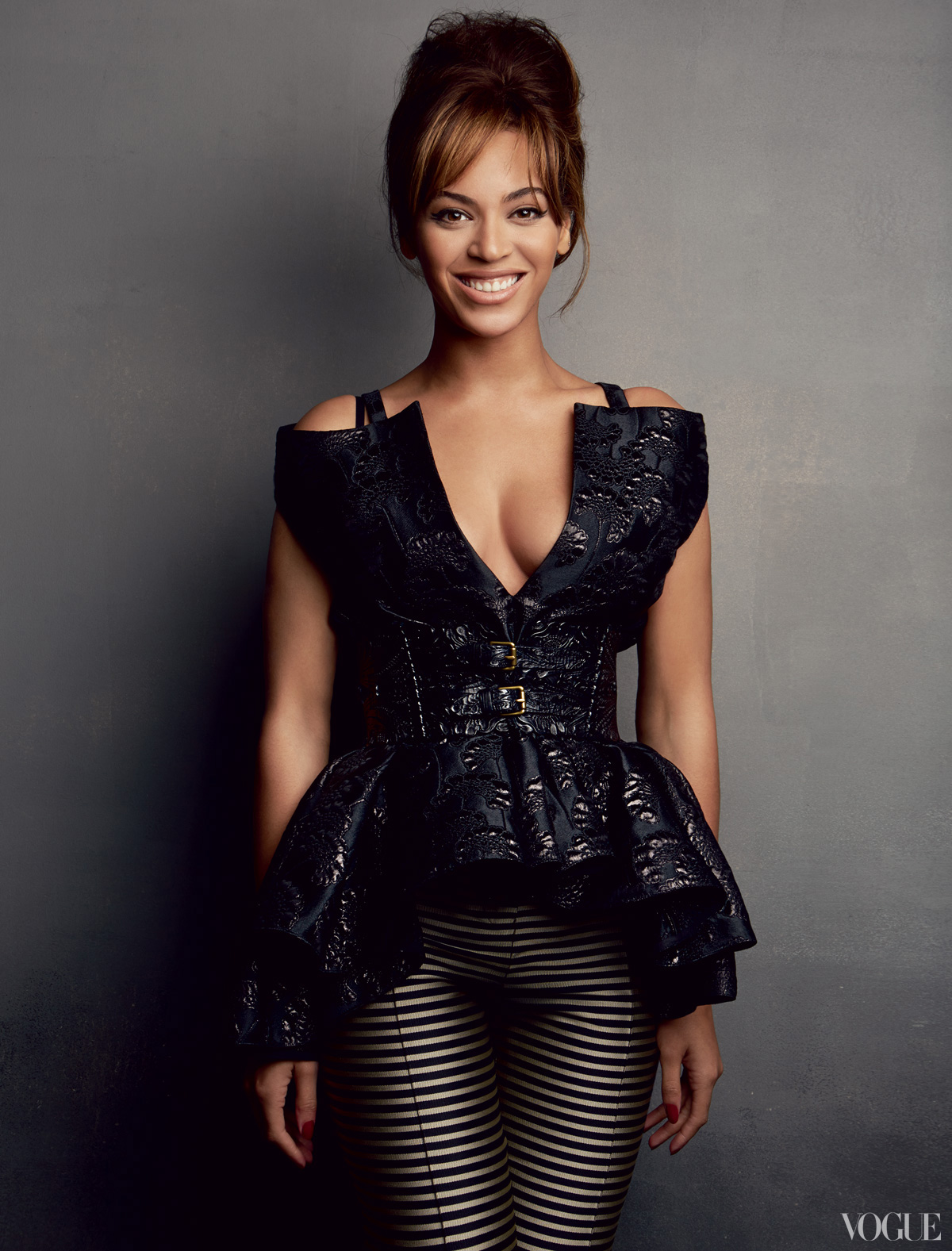 http://4.bp.blogspot.com/-1mCZ2zPB-bE/URjvndiFA8I/AAAAAAABEdg/WkHSUWe12EA/s1600/Vogue-Magazine-March-2013-Beyonce-Feature-Story-The-Gossip-Wrap-Up-1.jpg