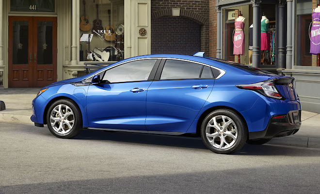 2016 Chevrolet Volt rear side
