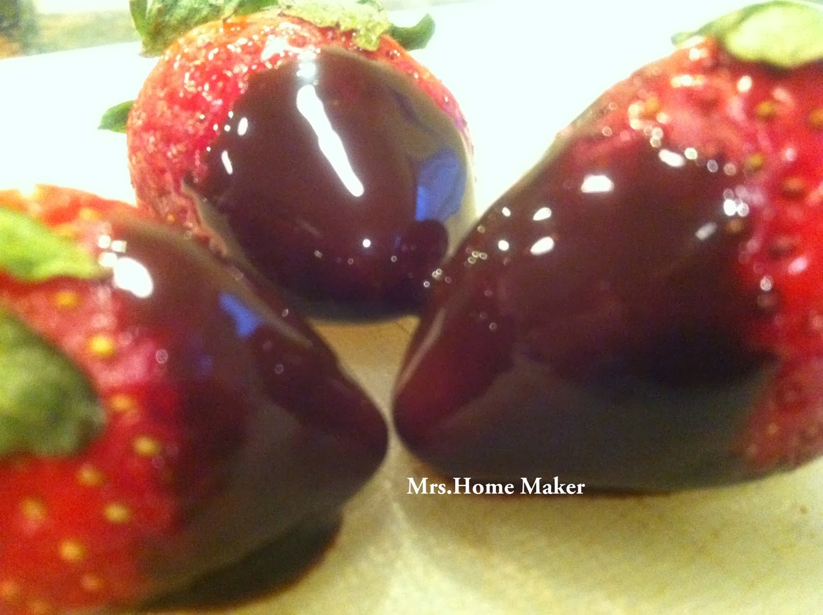 http://welcometotheworldofh4.blogspot.in/2013/02/chocolate-dipped-strawberry.html