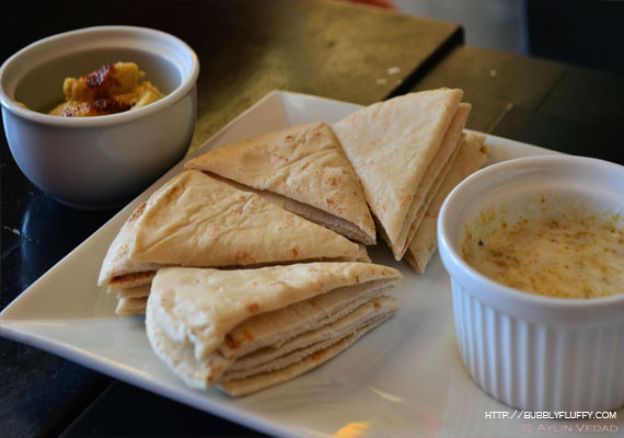 Pita with Jalapeño Hummus Dip and Garlic-Curry Dip