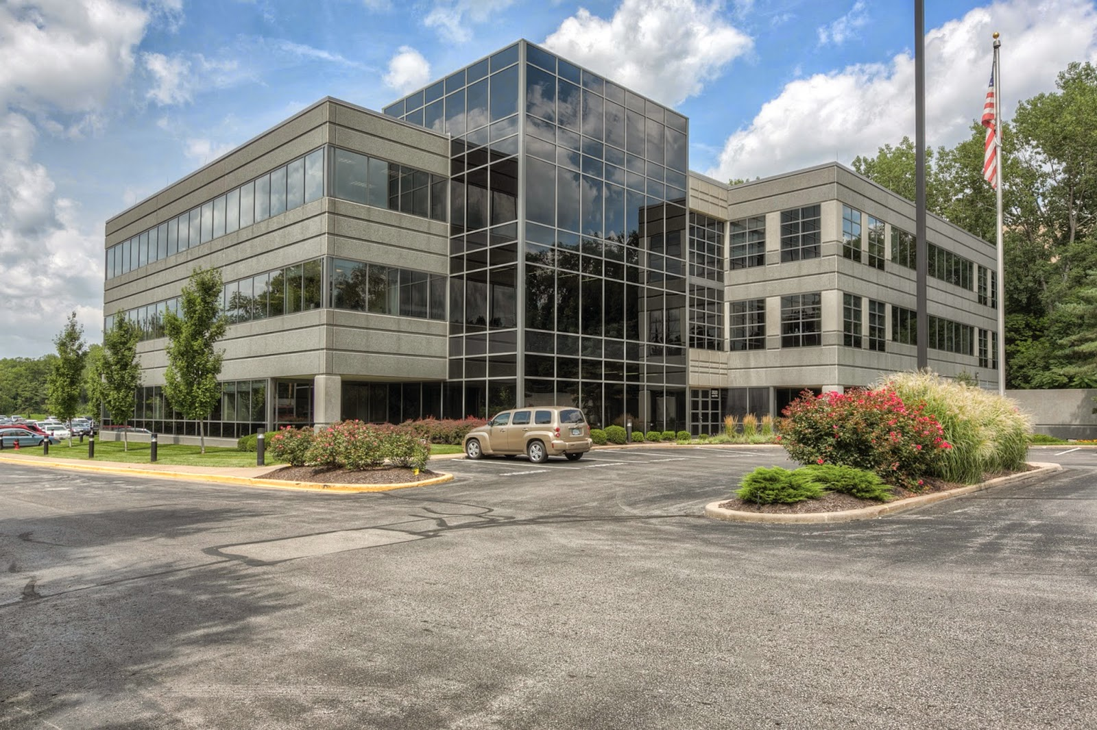 2020 W. 89th Leawood Kansas - Deal of the week