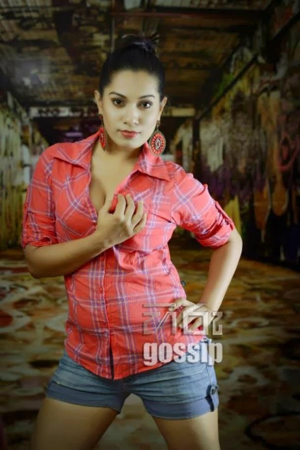 Nadeeshani Nilukshi Hot