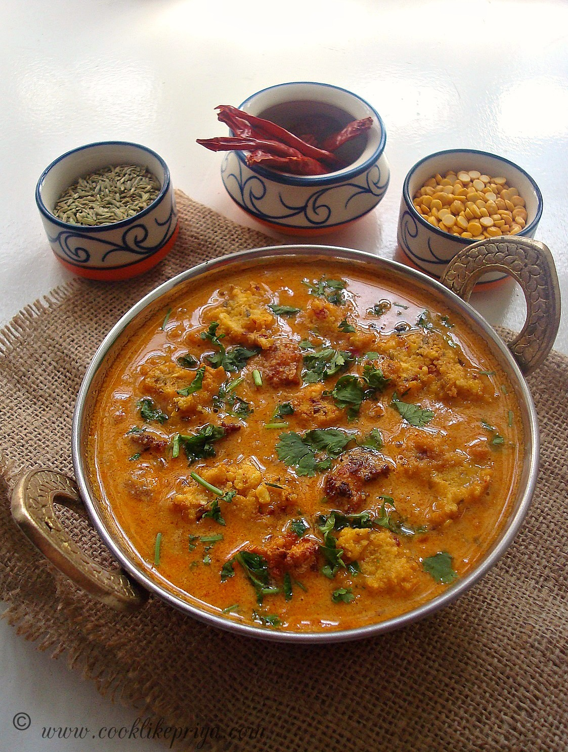 Vada Curry in coconut kurma